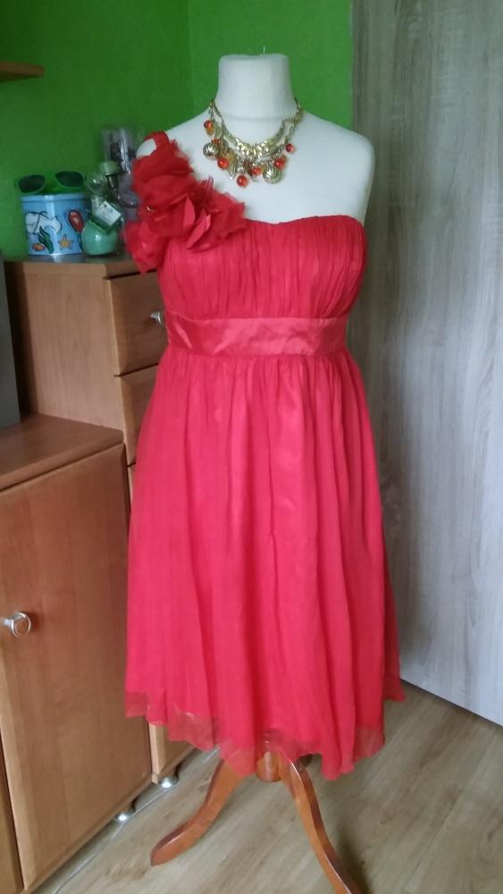 Czerwona sukienka jedno ramię 44