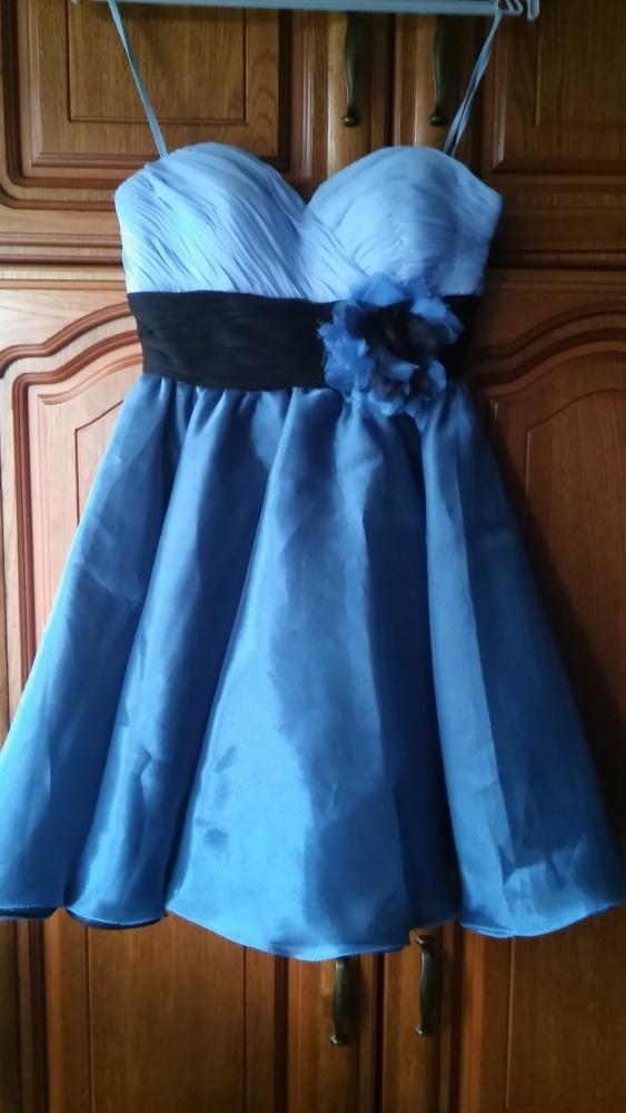 Błękitno niebieska suknia klosz 34