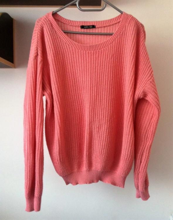 Różowy oversize duży sweterek uniwersalny wełniany