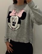 Szary sweter z Myszką Minnie...