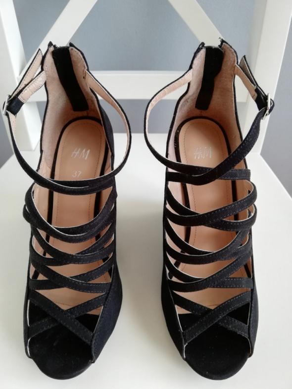 H&M czarne zamszowe sandały z paseczkami na koturnie zapinane z tyłu na zamek 37 jak nowe