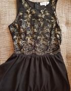 Koronkowa barokowa sukienka