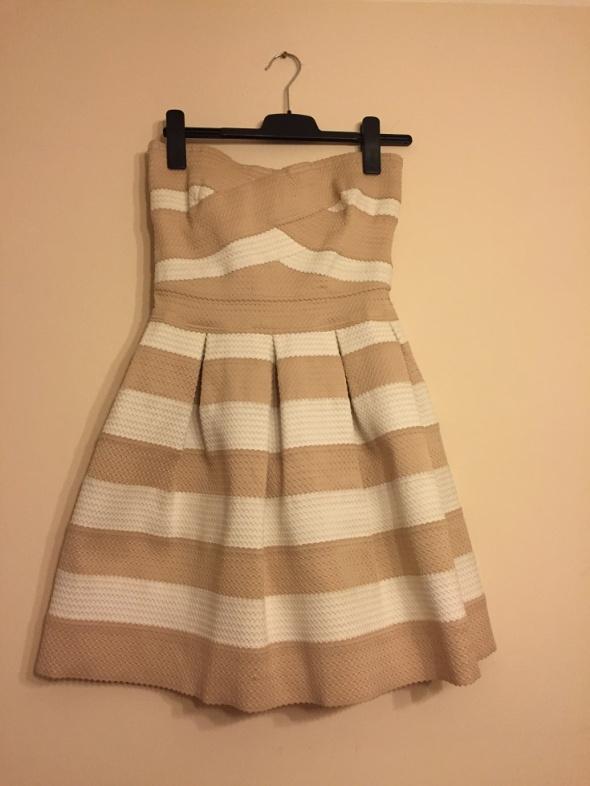 River Island piękna sukienka sztywny materiał