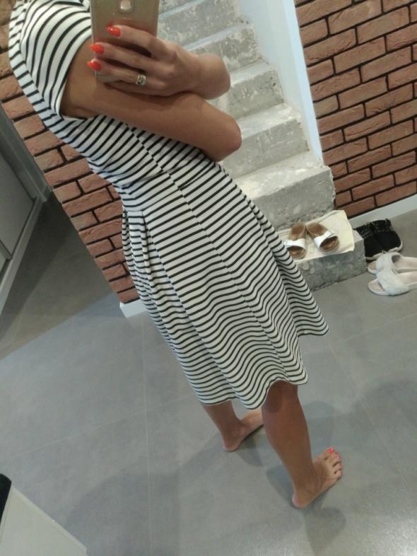 Sukienka w paseczki House S...