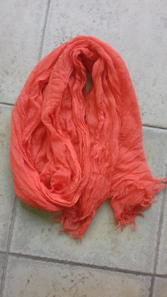 Pomarańczowy szal
