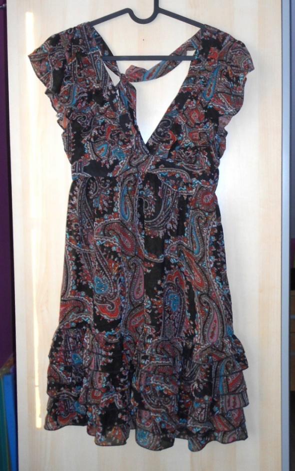 Zara etno sukienka wzory falbanki dekolt zwiewna