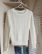 Kremowy sweterek Terranova XS...