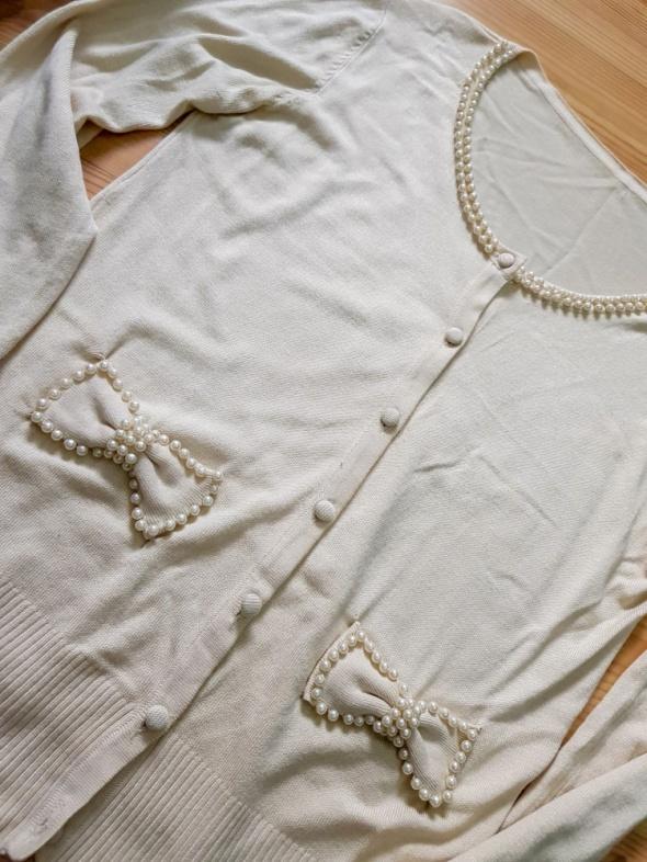 Sweterek cienki koraliki