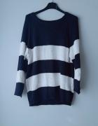 Granatowo biały sweter w paski reserved...