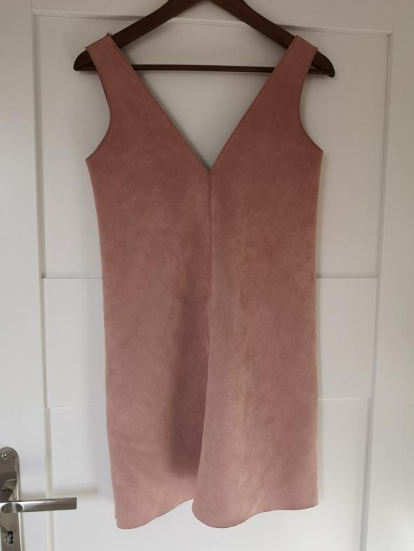Zamszowa sukienka z Zary...