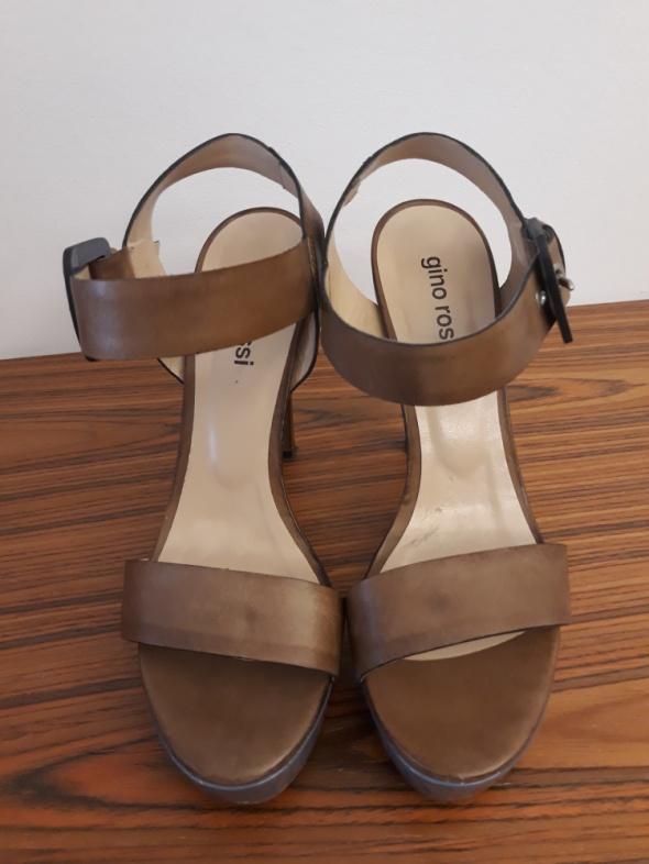 Skórzane sandałki Gino Rossi