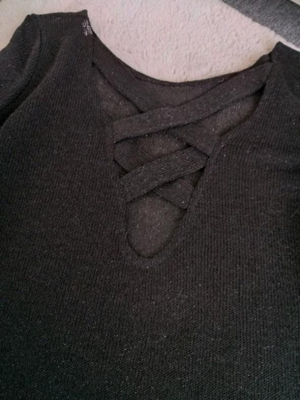 Sweterek błyszczący M