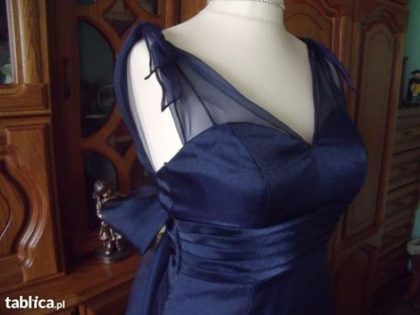 Granatowa suknia rozkloszowana halki 36 38
