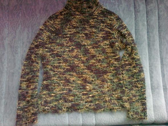 krótki sweterek zielone nitki