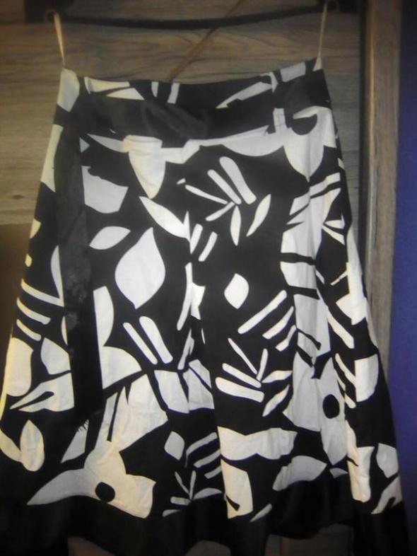 Spódnica czarnobiała