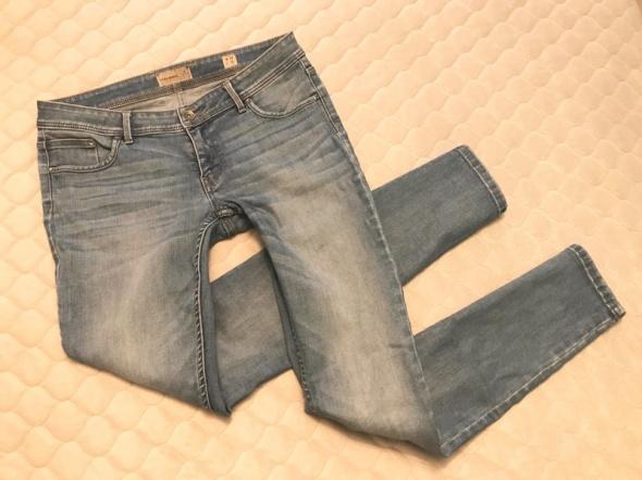 Vero Moda jeansy rurki klasyczne skinny 26l32...