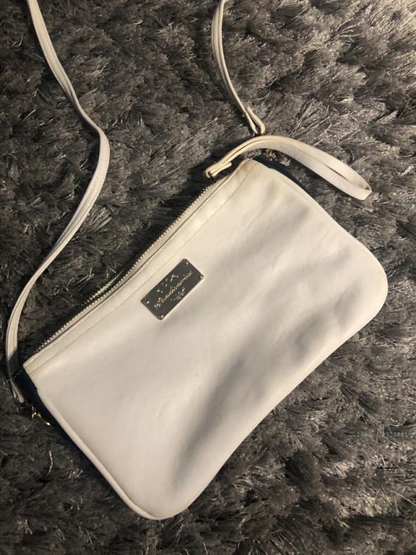 Mała torebka na ramie biała granatowa