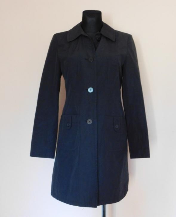 New Look czarny płaszcz wiosna 38
