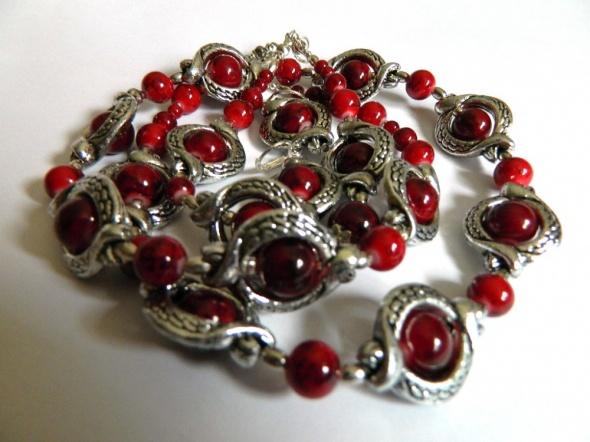 Biżuteria w stylu retro czerwień i srebro