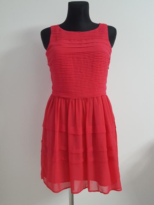 rózowa sukienka New Look...