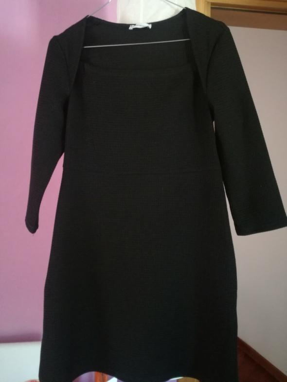 Suknie i sukienki mala czarna M