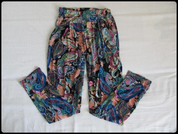 Spodnie Niezwykle kolorowe spodnie baggy alladynki rozmiar 38 M