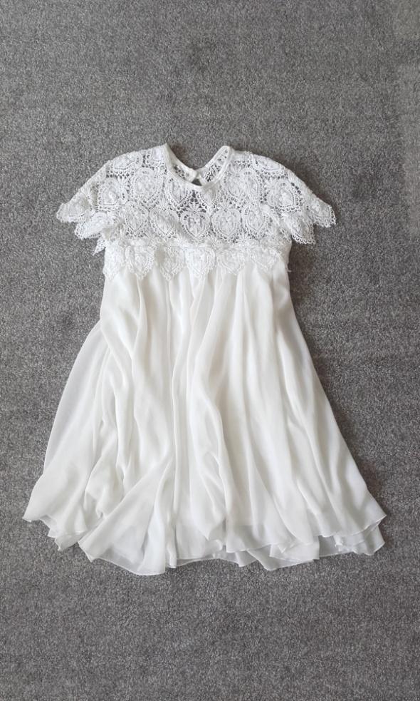 Sukienka biała plisowana xs