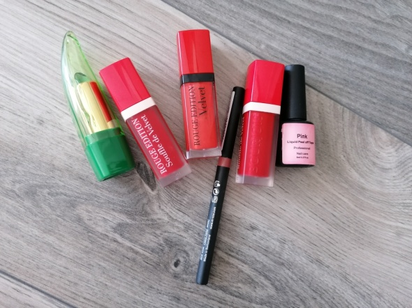 zestaw nowych kosmetyków bourjois