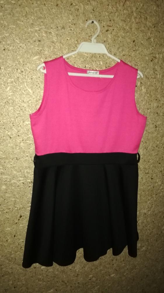 Różowo czarna rozkloszowana sukienka 48 50