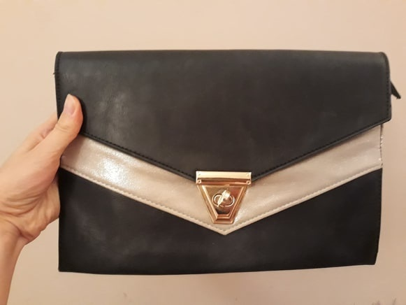 Czarna kopertówka stylowa modna
