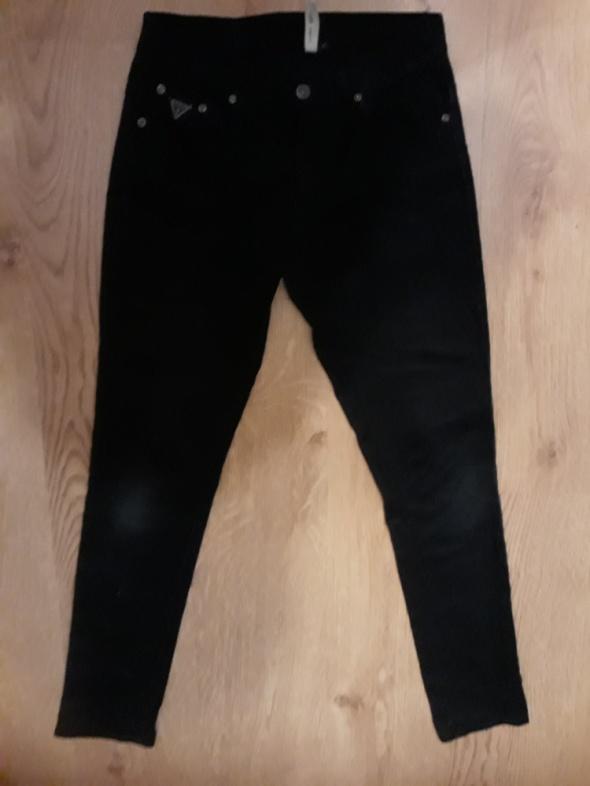 Spodnie jeansy GUESS...