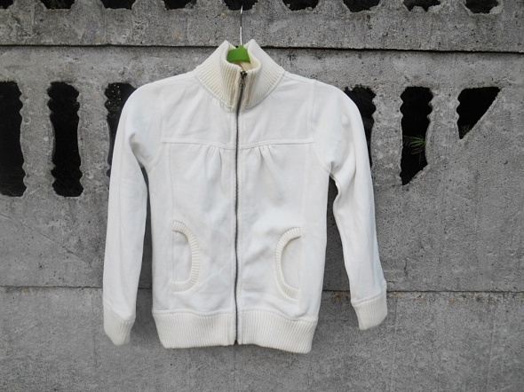 Biała Bluza 140 na suwak dla 10 latki jak Nowa