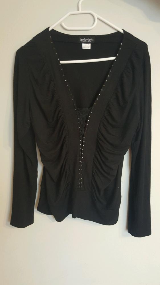Czarna marszczona bluzeczka