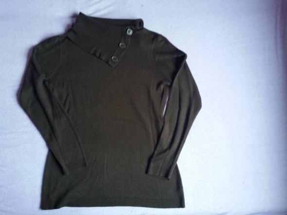 Świetny sweterek 44