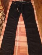 Spodnie rozmiar XL...