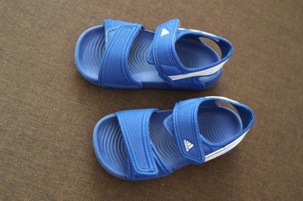 Adidas sandałki lekkie 25