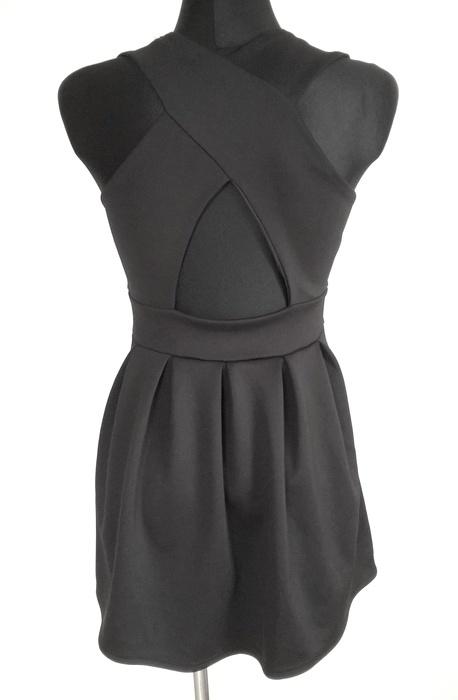 Suknie i sukienki Boohoo czarna rozkloszowana gołe plecy S