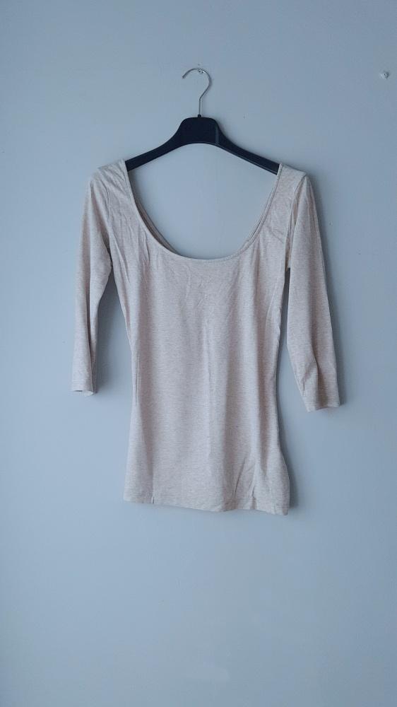 Idealna jasna beżowa bluzka bershka...