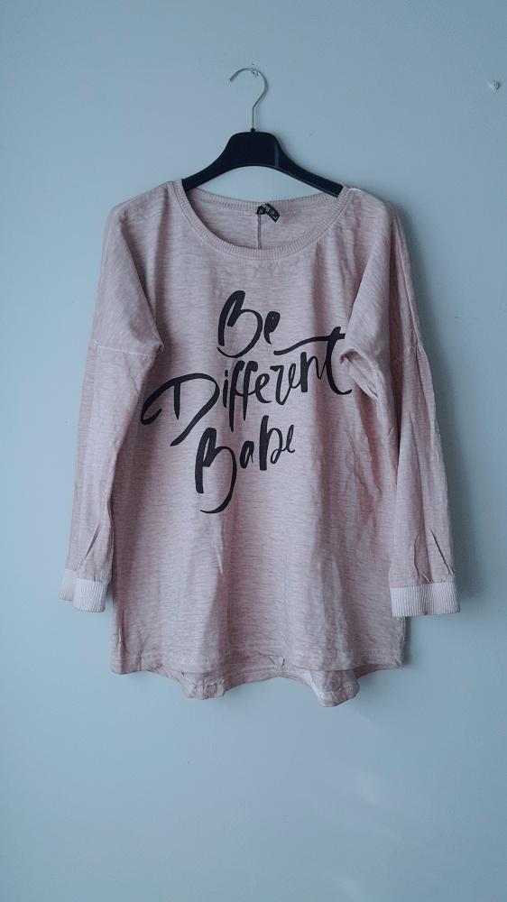 Idealna bluzka z napisami L
