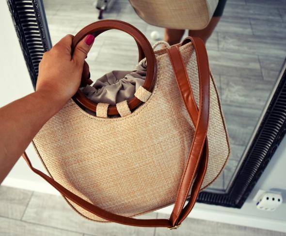 Torebka koszyk na lato drewniane rączki