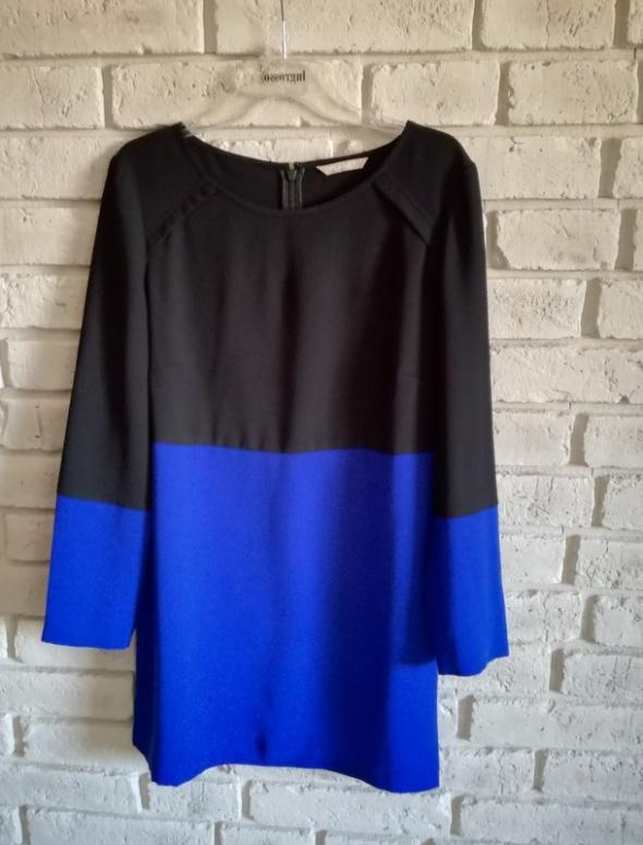 Dwukolorowa sukienka firmy Planet 40 42