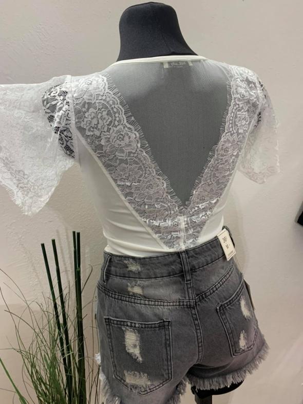 Bluzeczka biała siateczka koronka piękne plecy...