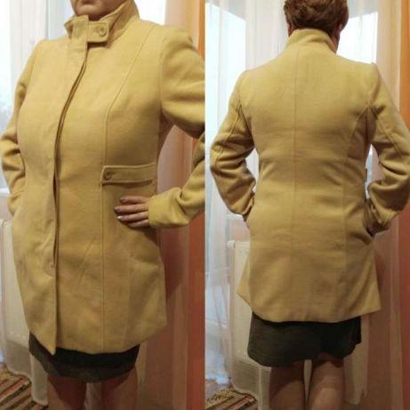Odzież wierzchnia Płaszcz bpc 44 kremowy