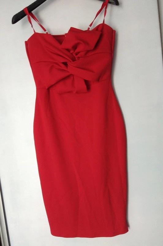 Czerwona obcisła sukienka sexi 38