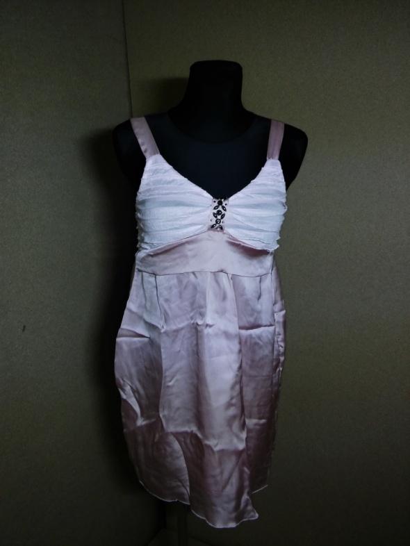 Pudrowo różowa luźna sukienka satynowa 38 40