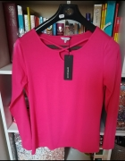 Nowa firmowa bluzeczka w malinowym kolorze...