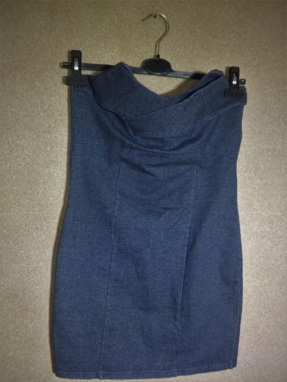Dresowa ala jeansowa sukienka ołówkowa bez ramiac...