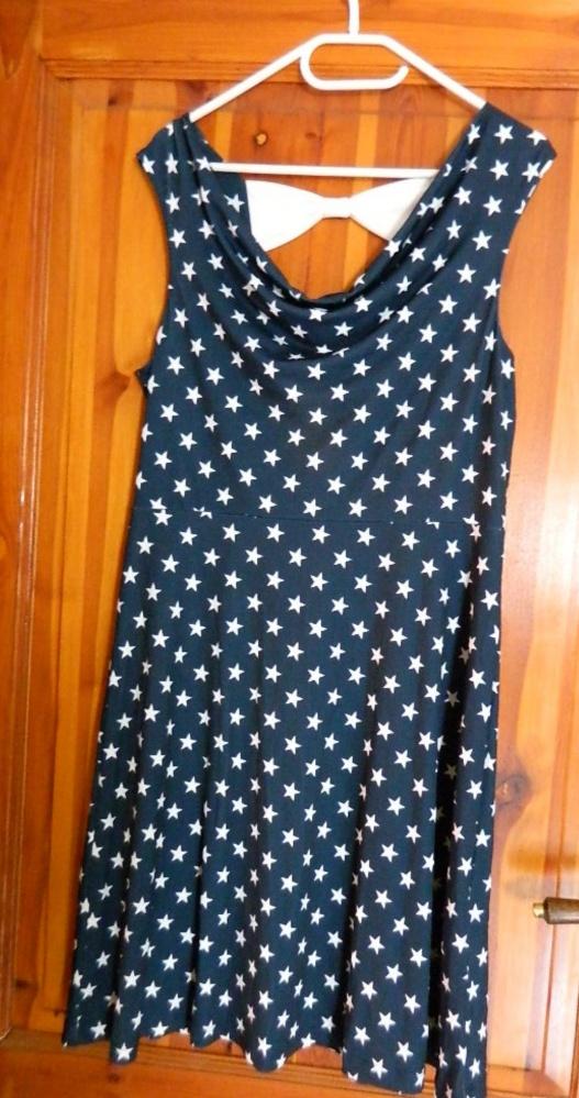 Granatowa w gwiazdki ozdobna kokarda sukienka 42