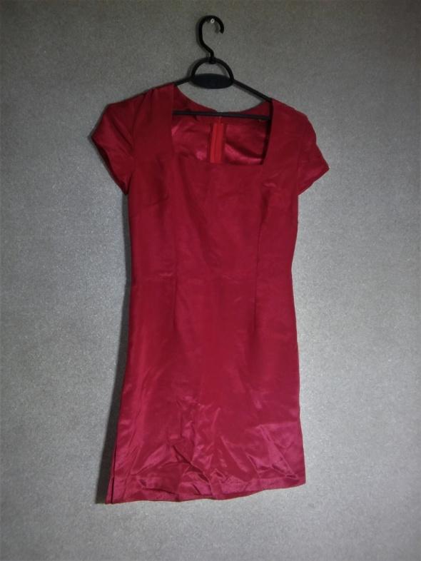Czerwona elegancka sukienka ołówkowa 36
