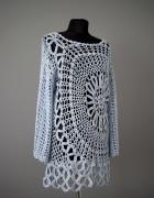 Piękny sweter ażurowy retro z motywem kwiatowym oversize...